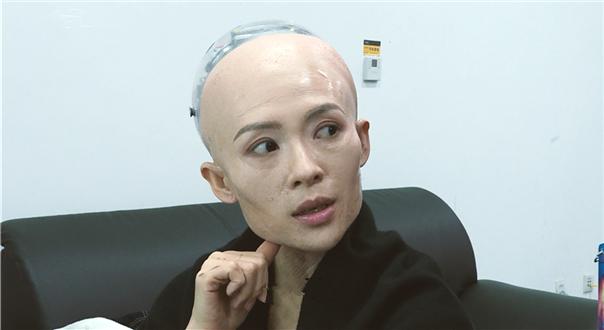 """章子怡演""""机器姬""""崩溃"""