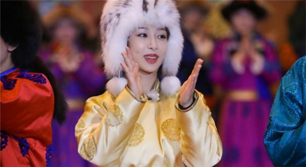 唱跳型选手杨紫上线