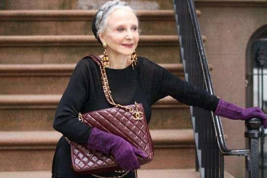 90岁潮奶奶当模特